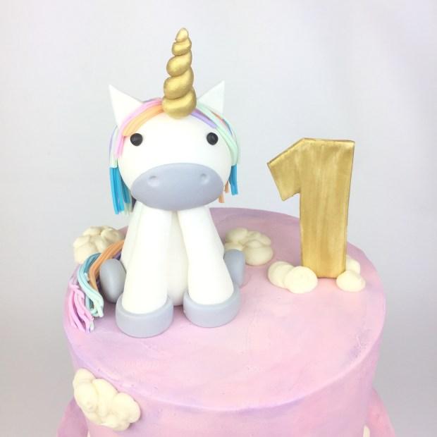 Londyns Unicorn Cake 1st Birthday Party Was Epic LondynUnicorn