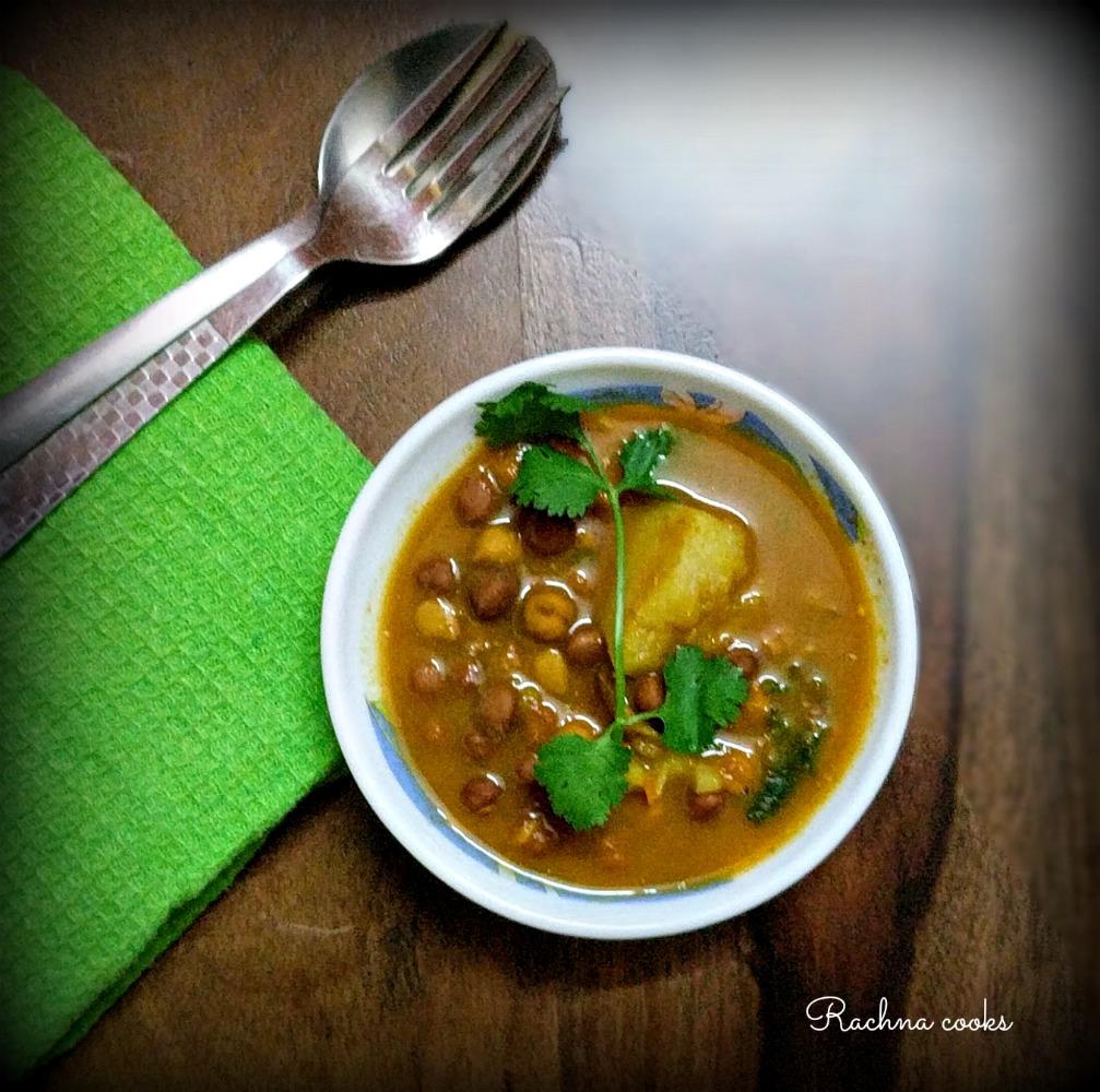 Kala Chana Curry Recipe | Black Chana Gravy Recipe - Rachna Cooks