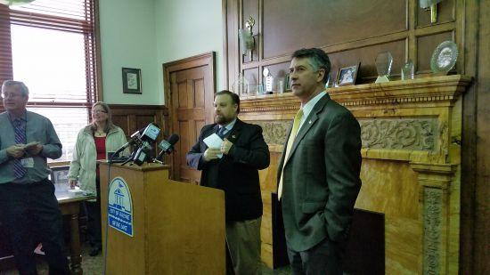 Racine's mayor leaving for water coalition job