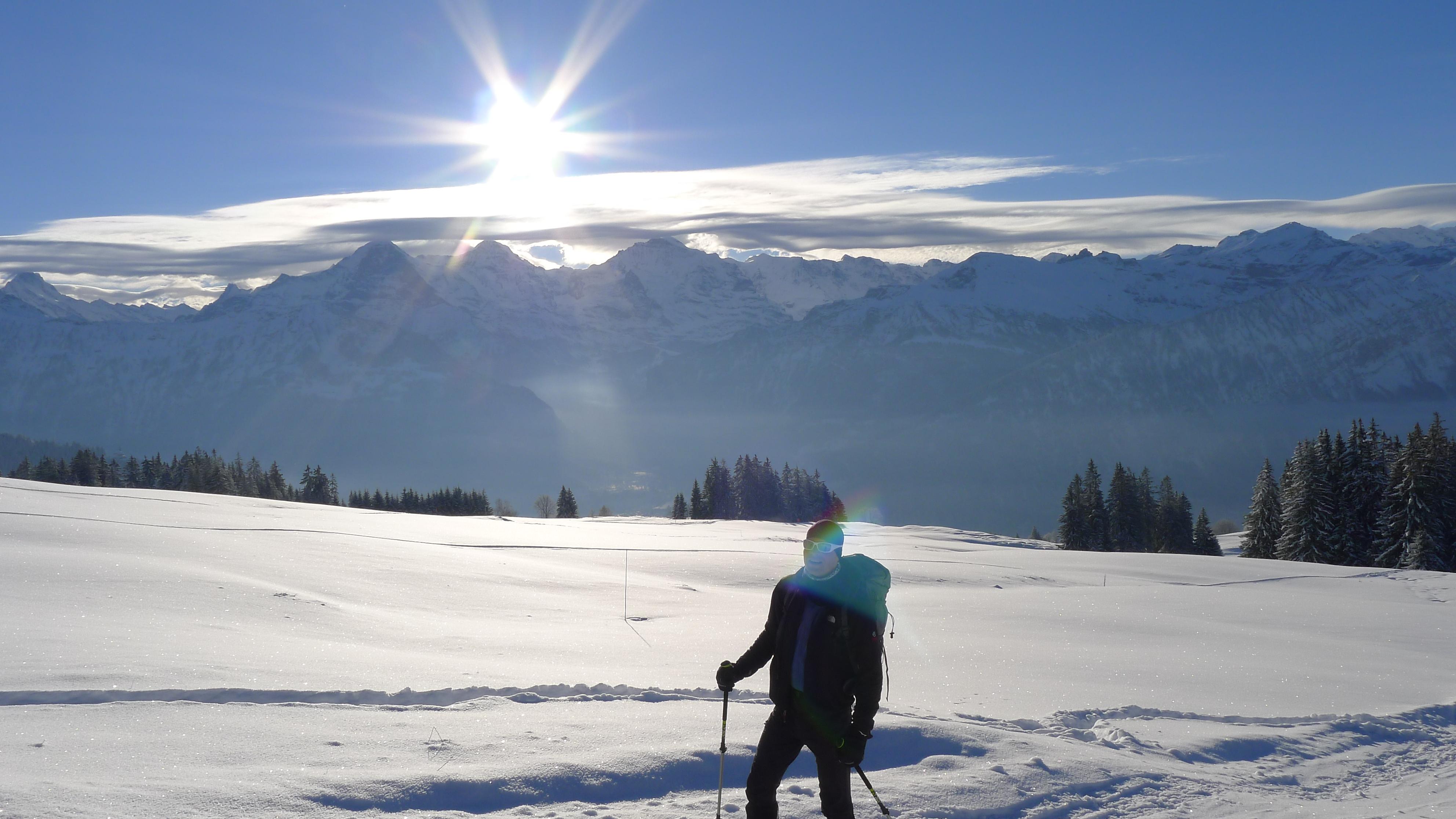 Sonniges Wetter Wintertour mit Schneeschuhen