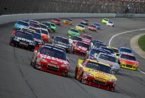 2010 Michigan2 Aug NSCS Kevin Harvick leads