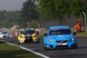 WTCC_Race_ZOL_2011_1