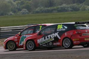 BTCC_Race_THRX_2011_6