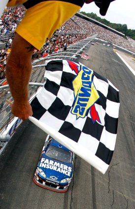 2012 New Hampshire July NASCAR Sprint Cup Kasey Kahne checkered flag