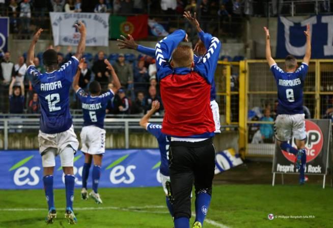 Joie manifeste des Strasbourgeois à l'issue de cette victoire, 1-0, contre Epinal