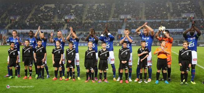 L'équipe du RCSA alignée contre Marseille Consolat