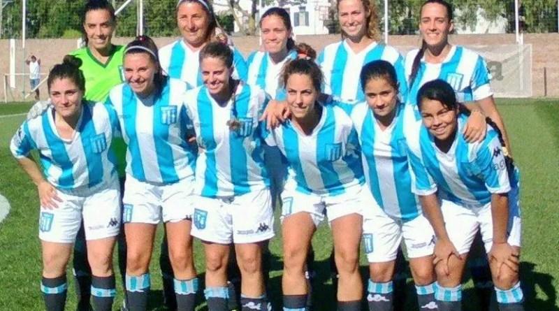 Foto del equipo de fútbol femenino de Racing.