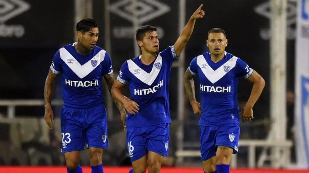 Racing quiere seguir de racha ganadora frente a Vélez