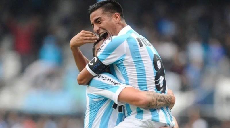 Diego González festeja el gol de Donatti.
