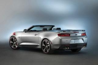2015-SEMA-Chevrolet-Camaro-SS-Red-Accent-031