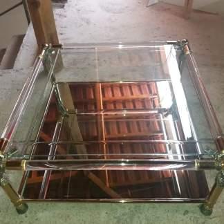 τραπέζι γυάλινο