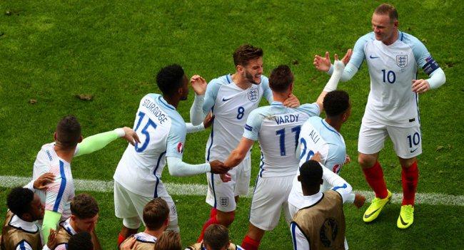 Jamie Vardy saat merayakan golnya ke gawang Wales. (Twitter: @UEFAEuro)