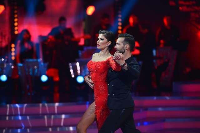 Bogdan Boanta Alina Puscas danseaza printre stele