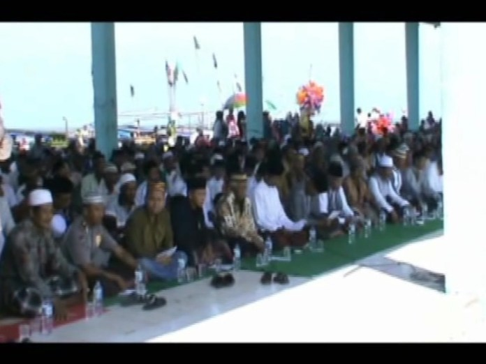 Ratusan Nelayan Gelar Doa Bersama