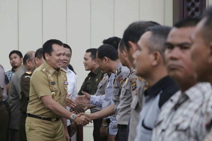 Korupsi Merajalela, Gubernur RIdho Lantik Satgas Saber Pungli