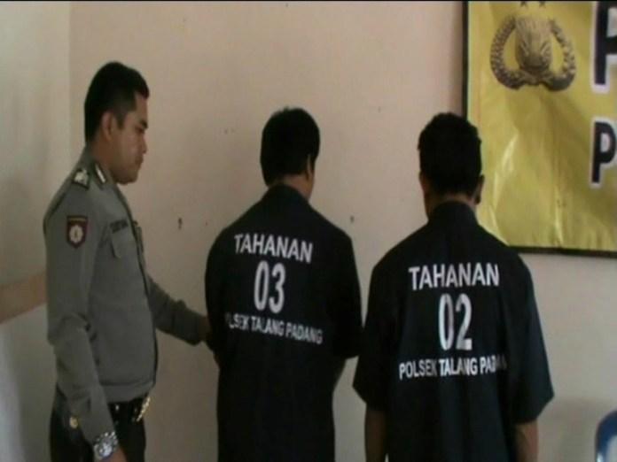 Tim Buser Polsek Talang Padang Amankan Kedua Pelaku Usai Beraksi