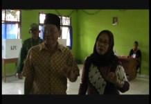 Kondusif, Sapli Berikan Suaranya di TPS 1 Simpang Mesuji