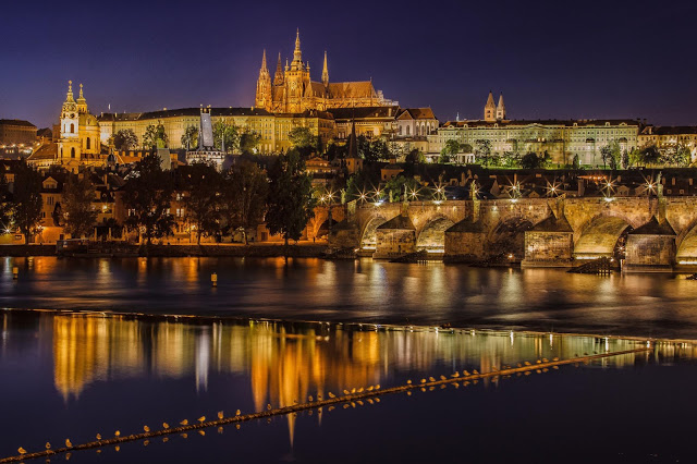 prague_at_night-1579766