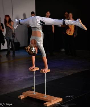 Aeraflux Handstand