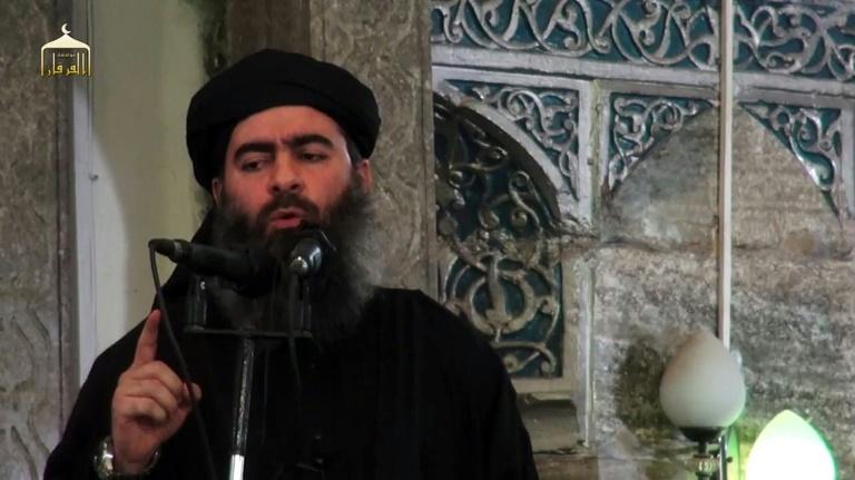 Capture d'écran d'une video de propagande diffusée le 5 juillet 2014 par al-Furqan Media montrant Abou Bakr al-Baghdadi à Mossoul lors de la proclamation du  califat . © AFP