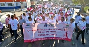 ENCABEZA PRESIDENTE MUNICIPAL MARCHA POR EL DÍA INTERNACIONAL DE LA LUCHA CONTRA CÁNCER DE MAMA