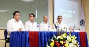 Consejero de la Judicatura Federal presenta obra editorial en la UABCS