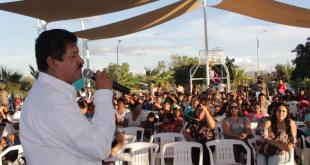 Alcalde de La Paz convive con vecinos de Chametla