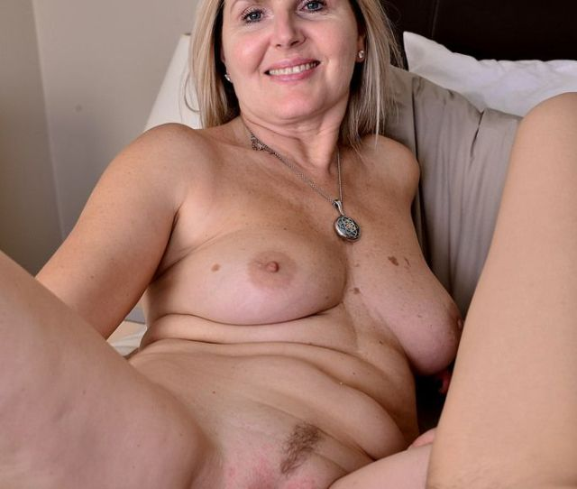 Picture Gallery Of Mature Pussy