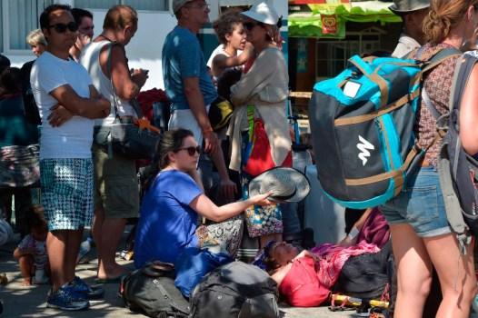 Turistas-sismo-Indonesia-AFP