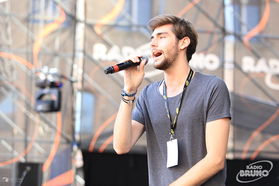 Alvaro Soler torna con Sofia il nuovo singolo  Radio Bruno