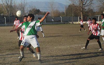 Rivadavia sigue siendo el único líder del clausura 2009