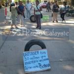 Fuerte represión policial a un corte de calles