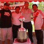 "Fiesta ""millonaria"" con la réplica de la Copa Libertadores"