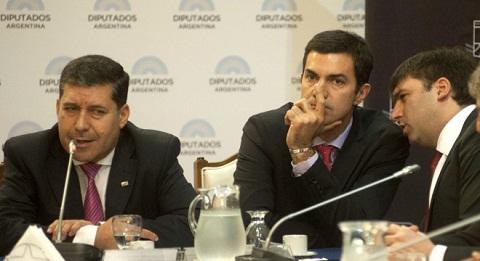 Juan Manuel Urtubey con diputados peronistas