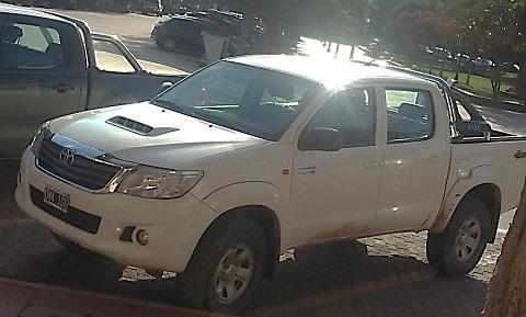 Estado actual de la camioneta sin el ploteo correspondiente y que el Intendente destinó a su uso.