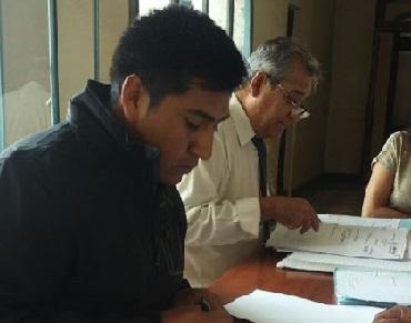 El Concejal Rodrigo Chocobar al momento de radicar la denuncia en el Juzgado Federal N°1 de Salta