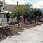 Vecinos del Barrio Cooperativa construyen cordón cuneta por sus propios medios