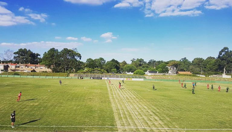 La historia del equipo amateur que resucitó un estadio de Primera