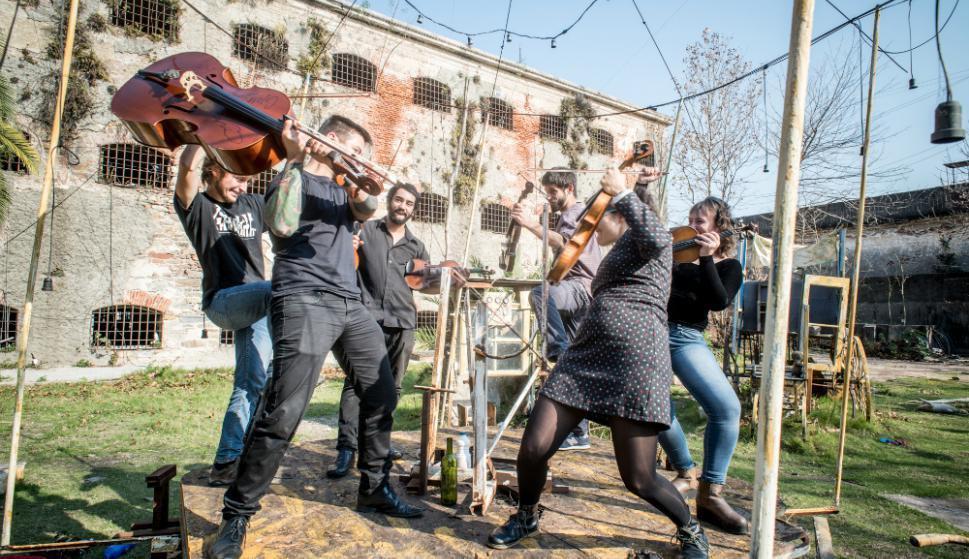 Llega la Orquesta Típica Bien De Abajo a la Sala Camacuá