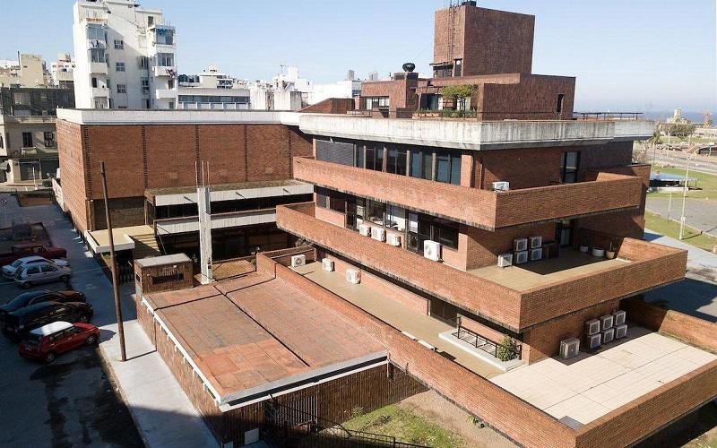 «El de AEBU es el mejor ejemplo de un edificio generoso»