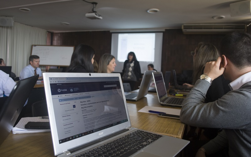 Comenzó curso de big data en AEBU