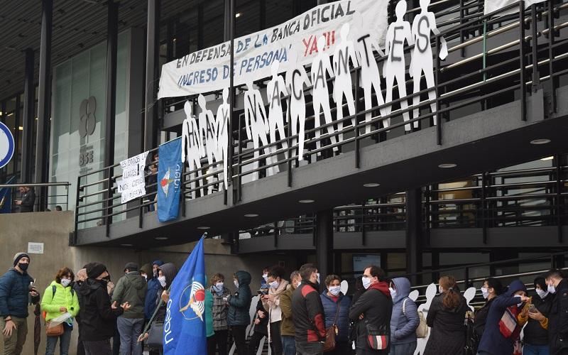 Nueva movilización de Banca Oficial contra el achique y en defensa del ingreso de personal
