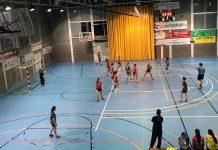 Inici del partit entre el CH Garbí i el Molins de Rei | Pau Punseti