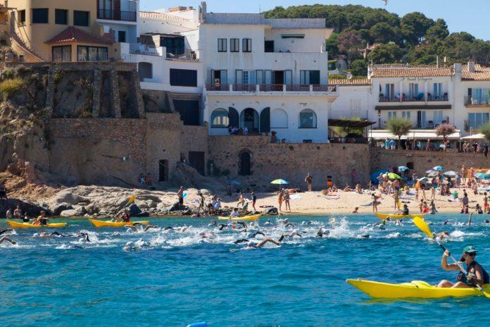 Calella durant l'Oncoswim 2017 | Imatge de la Fundació Oncolliga Girona