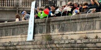 Omplen el riu Ter amb galledes a Girona