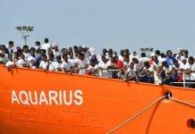 Desembarcar l'Aquarius a Palamós