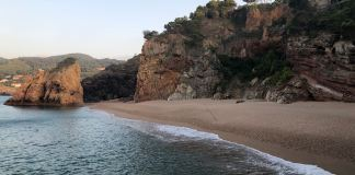 Platja de l'Illa Roja - Platges nudistes del Baix Empordà