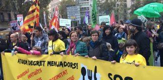 SOS Menjadors durant una manifestació | Imatge de l'entitat