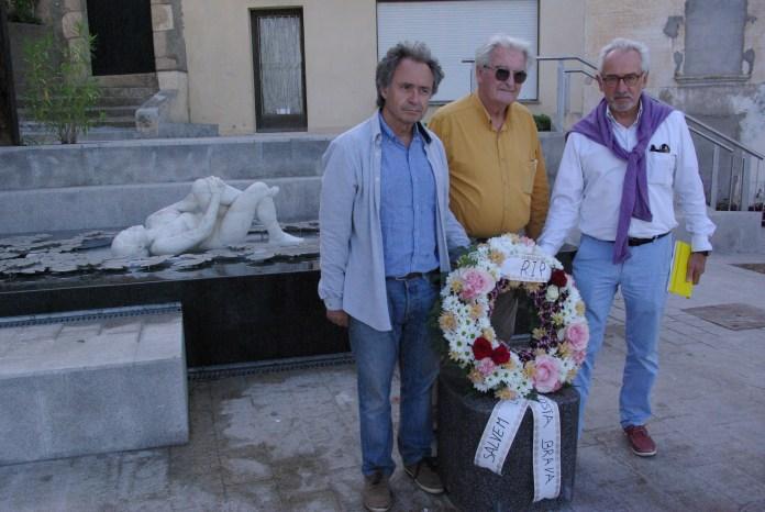 Eduard de Ribot, Josep Farrés i Josep Maria Vicens davant de La Pepita | Imatge d'Alerta Sant Feliu