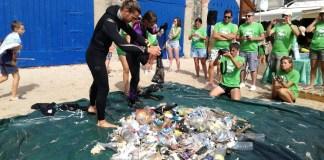 privat:-recullen-48-kg-de-residus-de-les-platges-de-llafranc-i-port-pelegri-a-calella